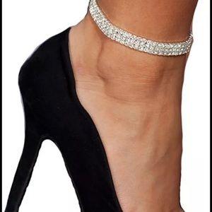 Jewelry - NEW! 3 row crystal rhinestone anklet